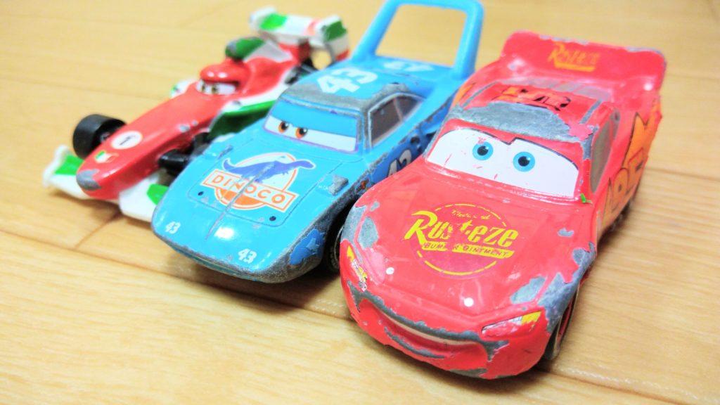 トミカの車3台