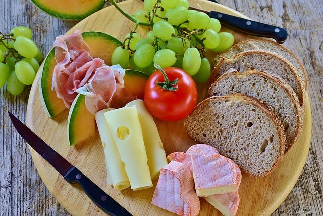 ハムとチーズとパン